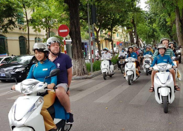 Hanoi: Customizable Motorbike Tour